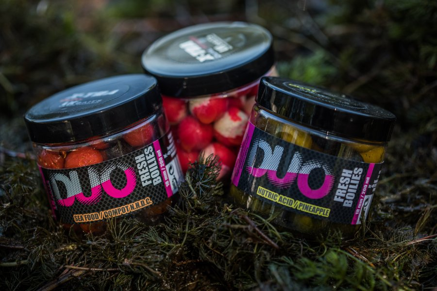 LK Baits DUO X-Tra Fresh Boilies Wild Strawberry/Carp Secret 14mm 150ml